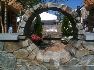 backyard-land-feature-design-statue-300x225